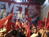 Referendum Turki: Menuju Otoriterisme atau Penguatan Demokrasi?