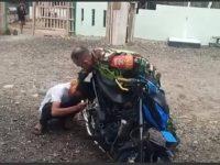 VIRAL! PAKSA PENGENDARA MOTOR DENGARKAN SUARA KNALPOT BISING, ANGGOTA TNI AD BERAKHIR DIBUI