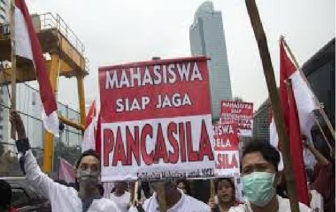 Transformation of values of Pancasila and the 1945 Constitution Brought to Parliament Qualified
