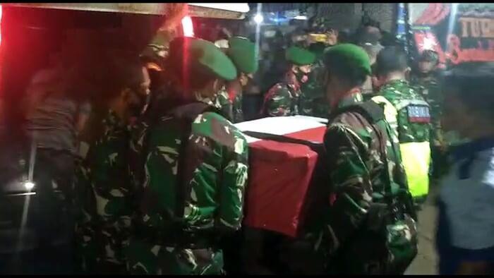 PRAKA MUHAMAD ALIF NUR DAN PRADA ARDI YUDI ARDIANTO GUGUR DIBACOK OTK, PELAKU DIBURU TNI-POLRI